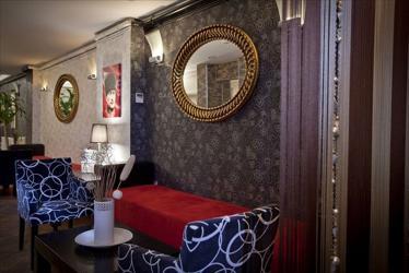 Arach Hotel
